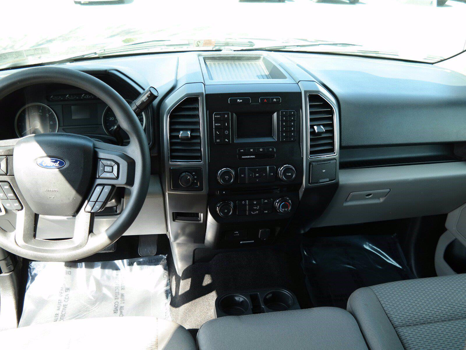 2018 Ford F-150 SuperCrew Cab 4x4, Pickup #FL1033D1 - photo 2