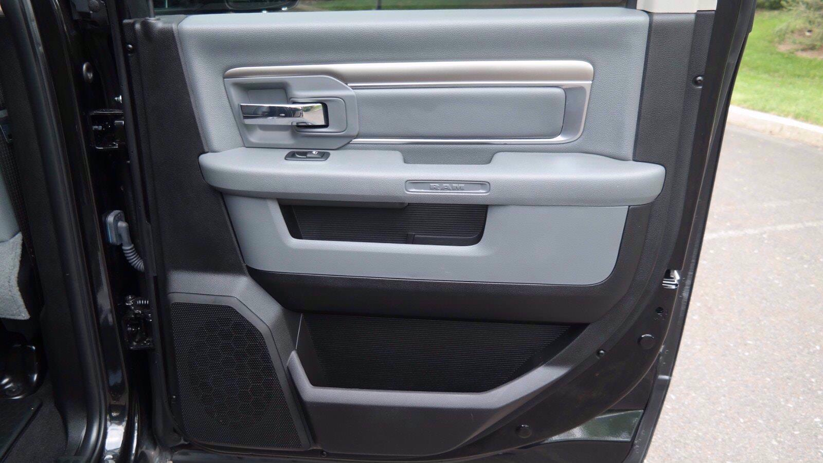 2018 Ram 1500 Crew Cab 4x4, Pickup #FL103691 - photo 11