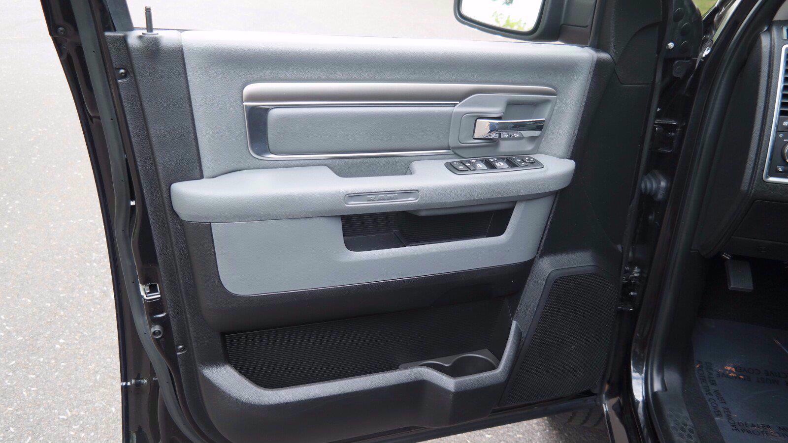 2018 Ram 1500 Crew Cab 4x4, Pickup #FL103691 - photo 19