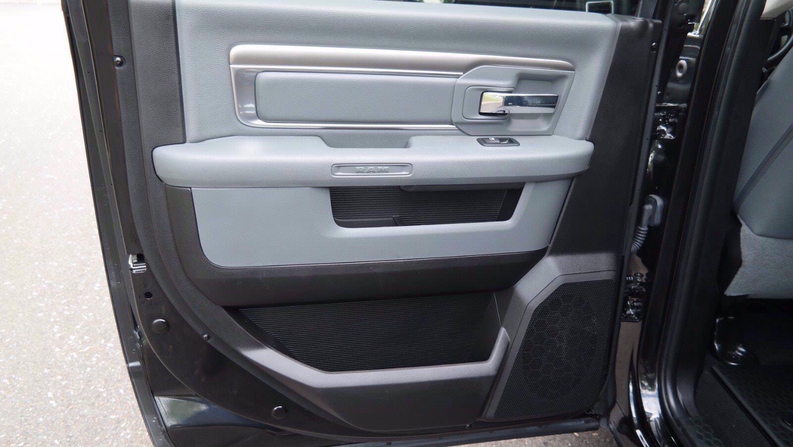 2018 Ram 1500 Crew Cab 4x4, Pickup #FL103691 - photo 20