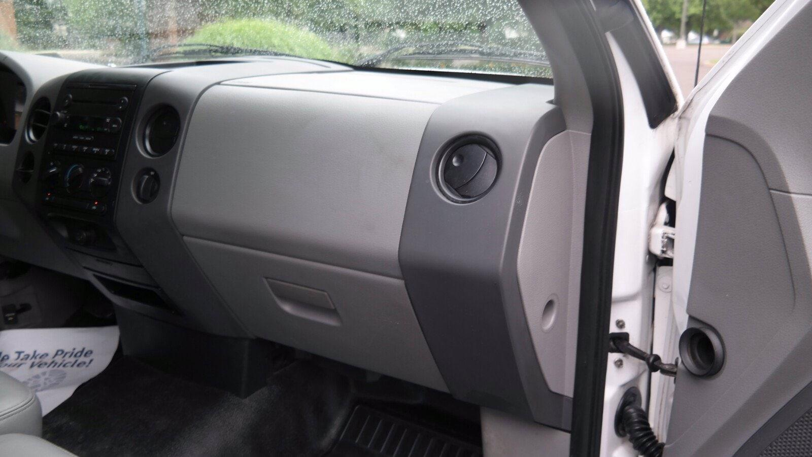 2006 Ford F-150 Regular Cab 4x2, Pickup #FL103831 - photo 8