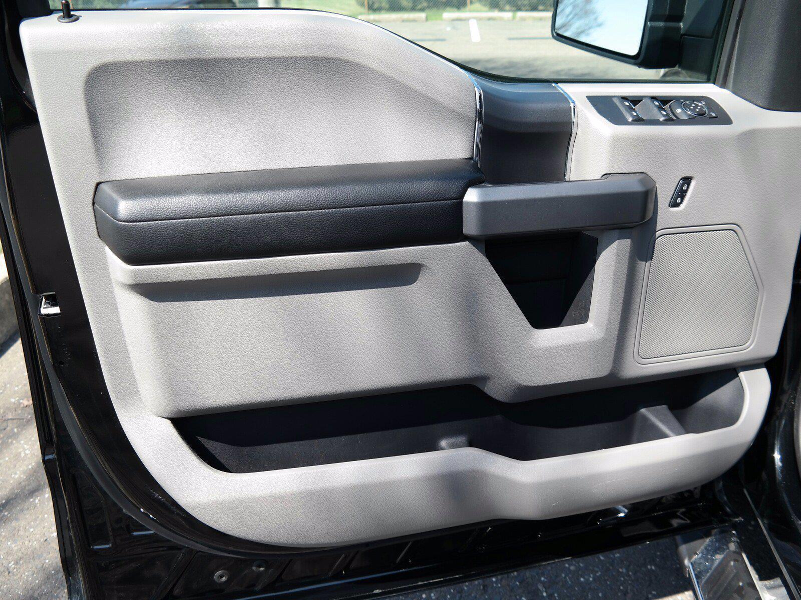 2018 Ford F-150 SuperCrew Cab 4x4, Pickup #FL1040D - photo 3