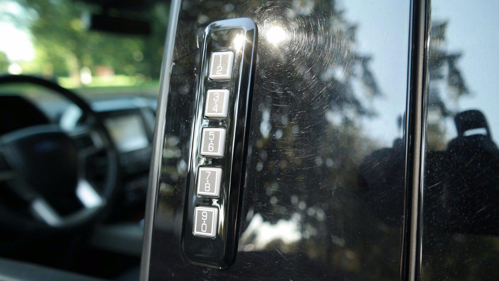2019 F-150 SuperCrew Cab 4x4,  Pickup #FL105161 - photo 10