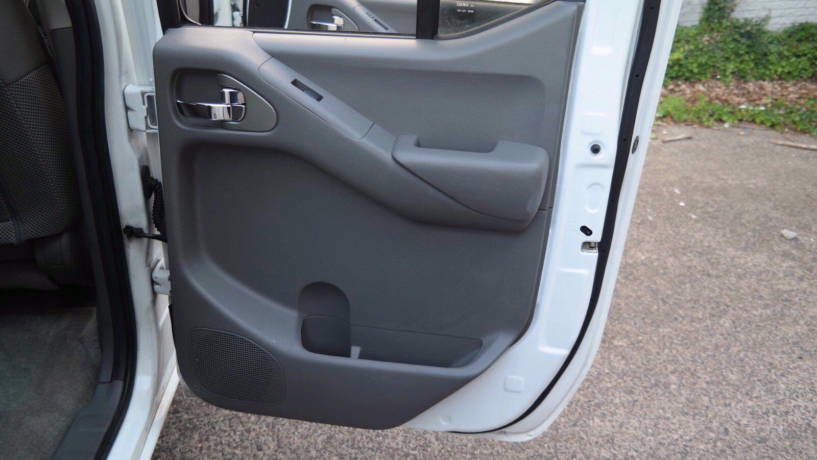 2016 Nissan Frontier Crew Cab 4x4, Pickup #FL1123D1 - photo 11