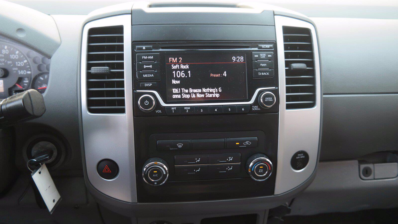 2016 Nissan Frontier Crew Cab 4x4, Pickup #FL1123D1 - photo 26