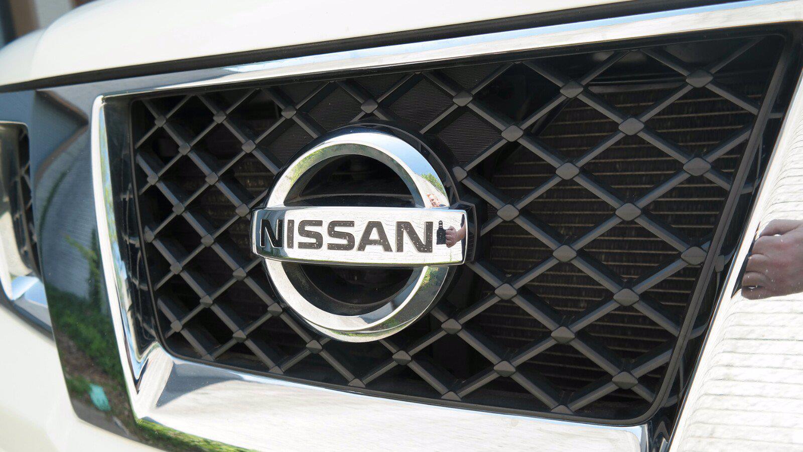 2016 Nissan Frontier Crew Cab 4x4, Pickup #FL1123D1 - photo 6