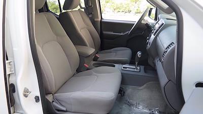 2016 Nissan Frontier Crew Cab 4x4, Pickup #FL1123D1 - photo 8