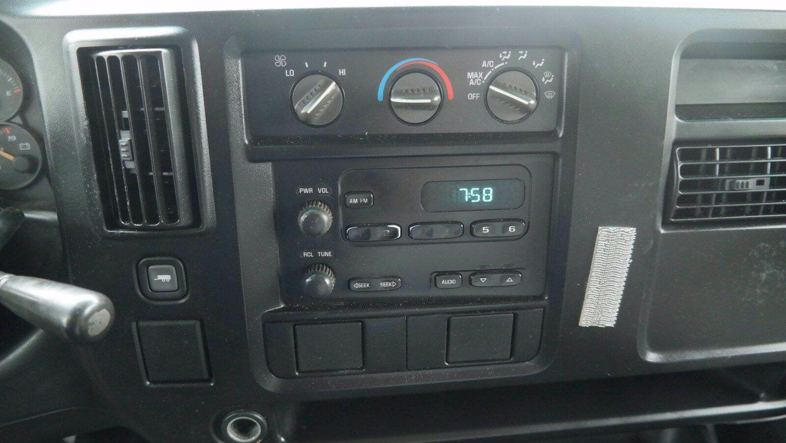 2007 Savana 3500 4x2,  Service Utility Van #FL114601 - photo 12