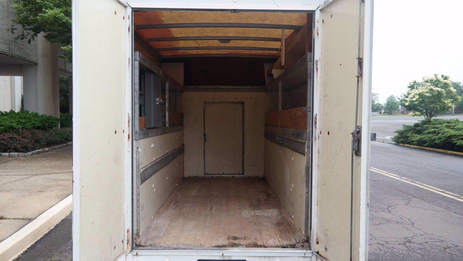 2007 Savana 3500 4x2,  Service Utility Van #FL114601 - photo 5