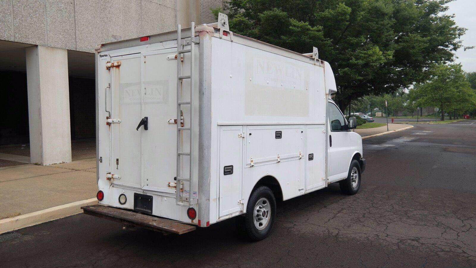 2007 Savana 3500 4x2,  Service Utility Van #FL114601 - photo 2