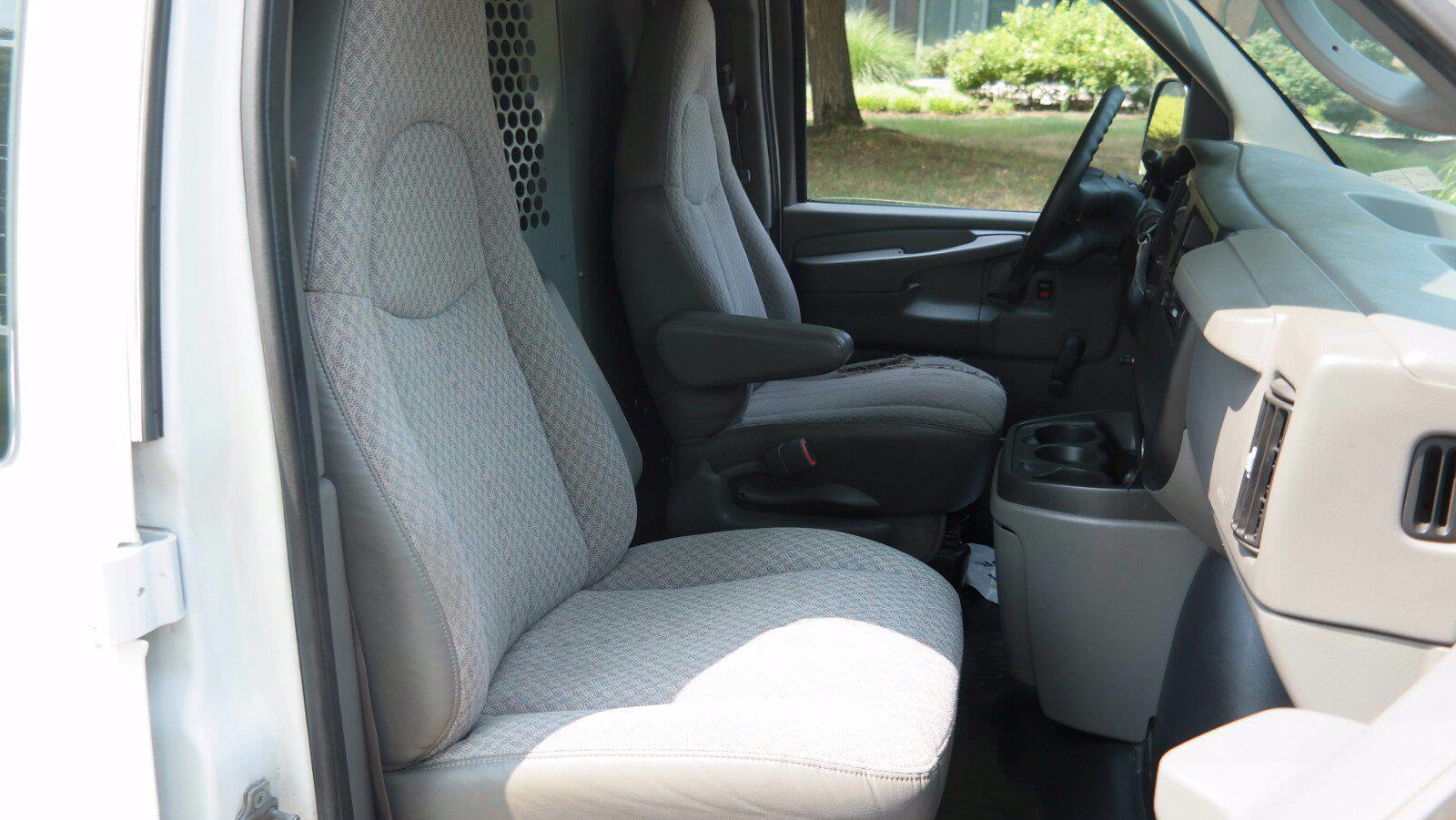 2007 Chevrolet Express 1500 4x4, Upfitted Cargo Van #FL1209P - photo 13