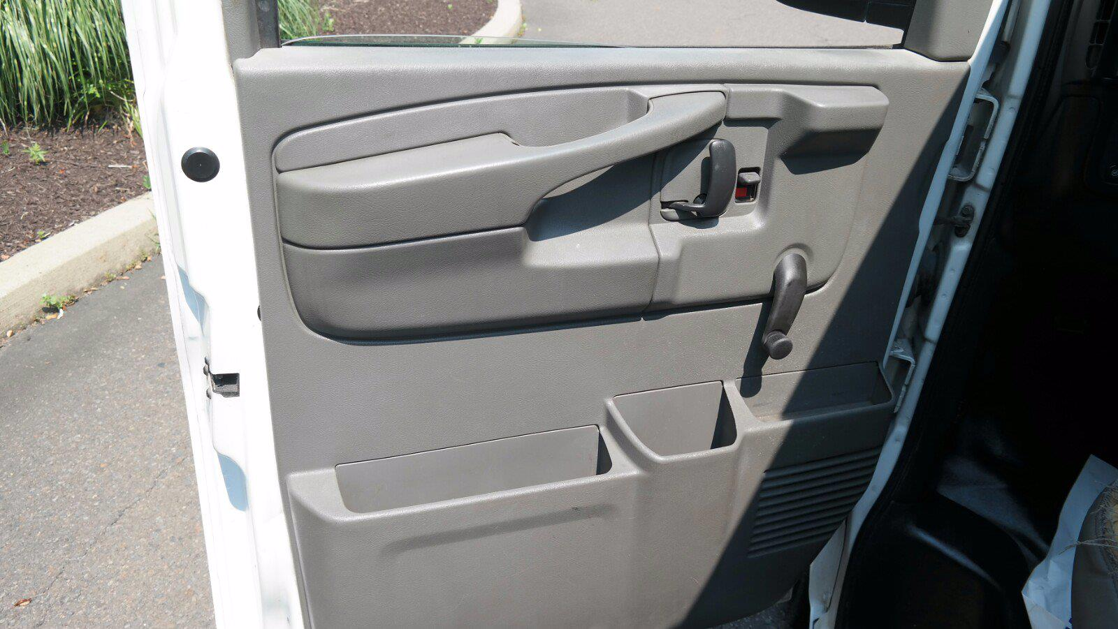 2007 Chevrolet Express 1500 4x4, Upfitted Cargo Van #FL1209P - photo 20