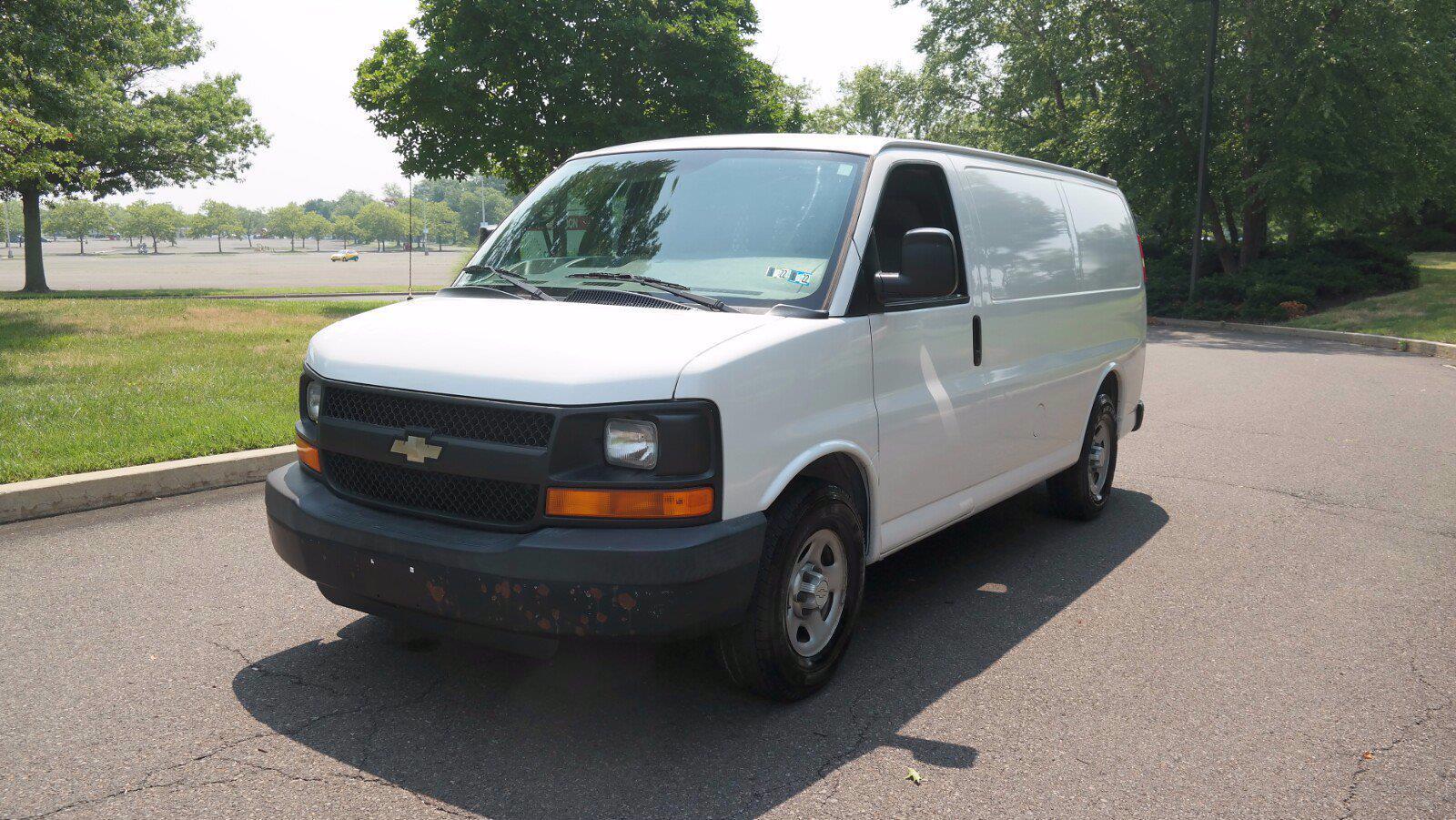 2007 Chevrolet Express 1500 4x4, Upfitted Cargo Van #FL1209P - photo 4