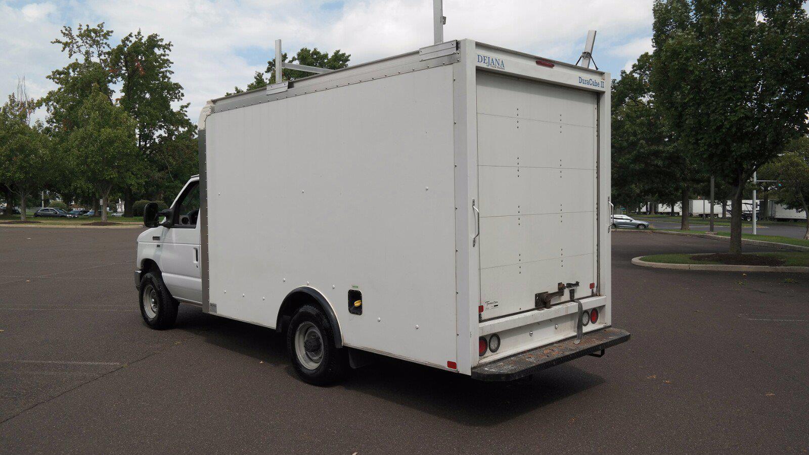 2019 E-350 4x2,  Dejana Truck & Utility Equipment DuraCube II Cutaway Van #FL1376C - photo 2