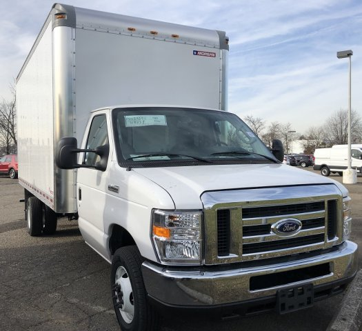 2019 E-450 4x2,  Morgan Parcel Aluminum Cutaway Van #FL34246 - photo 9