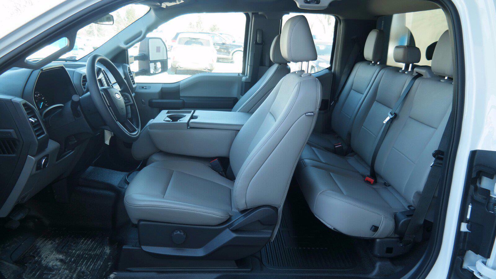 2020 Ford F-550 Super Cab DRW 4x4, Reading Landscaper SL Landscape Dump #FLU00650 - photo 9