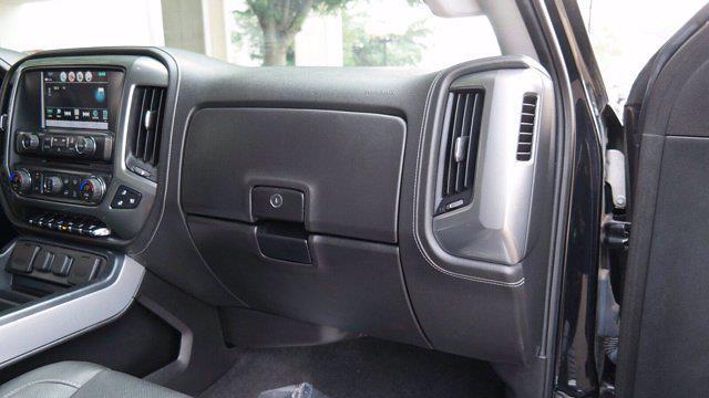 2018 Chevrolet Silverado 2500 Crew Cab 4x4, Pickup #FLU008431 - photo 19