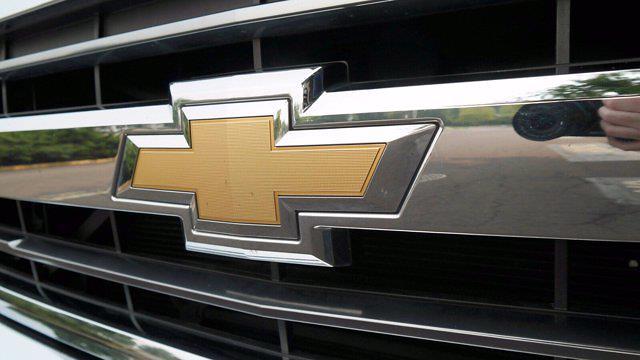 2018 Chevrolet Silverado 2500 Crew Cab 4x4, Pickup #FLU008431 - photo 26