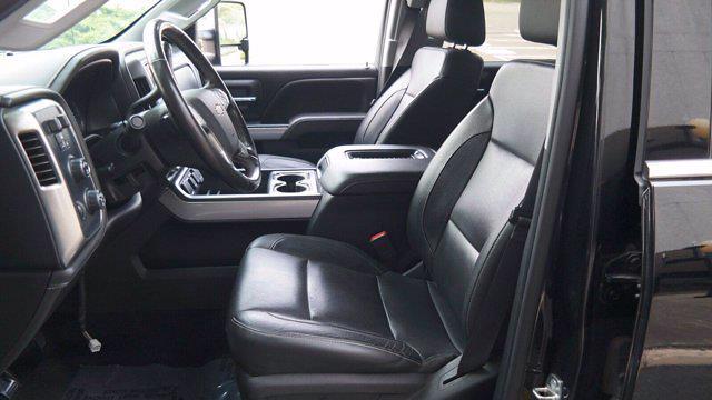 2018 Chevrolet Silverado 2500 Crew Cab 4x4, Pickup #FLU008431 - photo 28