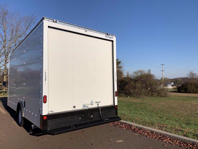 2021 Ford E-450 4x2, Rockport Cargoport Cutaway Van #FLU00852 - photo 3