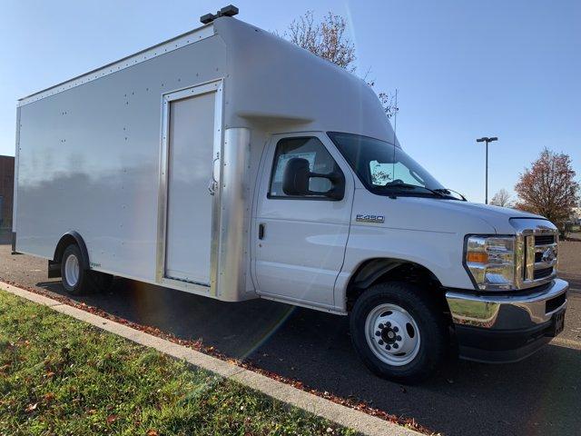 2021 Ford E-450 4x2, Rockport Cargoport Cutaway Van #FLU00852 - photo 6