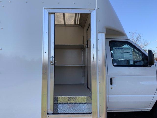 2021 Ford E-450 4x2, Rockport Cargoport Cutaway Van #FLU00852 - photo 7