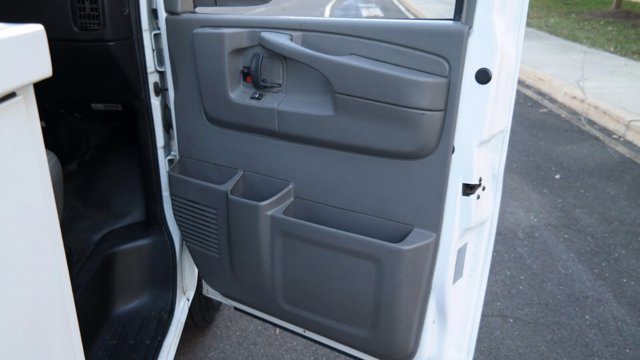 2014 GMC Savana 3500 4x2, Service Utility Van #FLU010712 - photo 22
