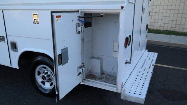 2014 GMC Savana 3500 4x2, Service Utility Van #FLU010712 - photo 10