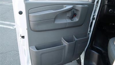 2014 GMC Savana 3500 4x2, Service Utility Van #FLU010712 - photo 2