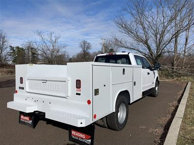 2020 Ford F-350 Crew Cab DRW 4x4, Reading SL Service Body #FLU01110 - photo 5
