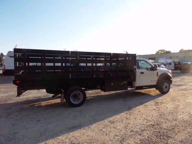 2020 Ford F-550 Regular Cab DRW 4x2, Knapheide Value-Master X Stake Bed #FLU01123 - photo 4