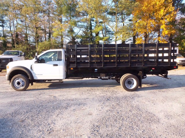 2020 Ford F-550 Regular Cab DRW 4x2, Knapheide Value-Master X Stake Bed #FLU01123 - photo 5