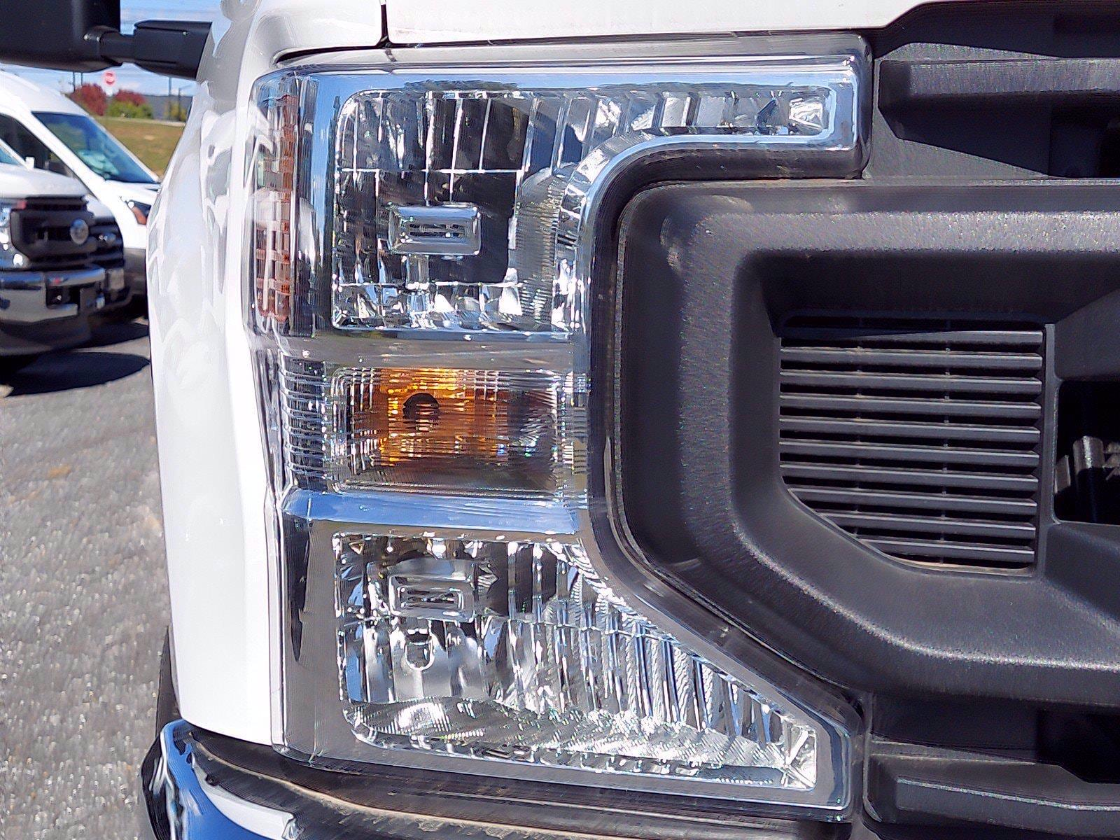 2020 Ford F-350 Super Cab 4x4, Reading Service Body #FLU01159 - photo 4
