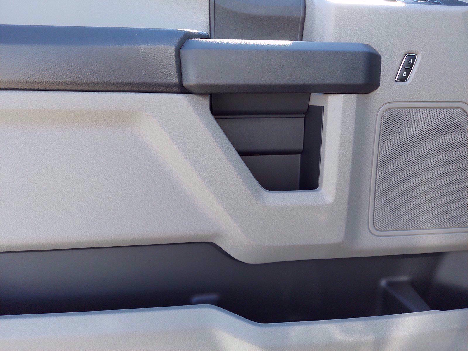 2020 Ford F-350 Super Cab 4x4, Reading Service Body #FLU01159 - photo 7