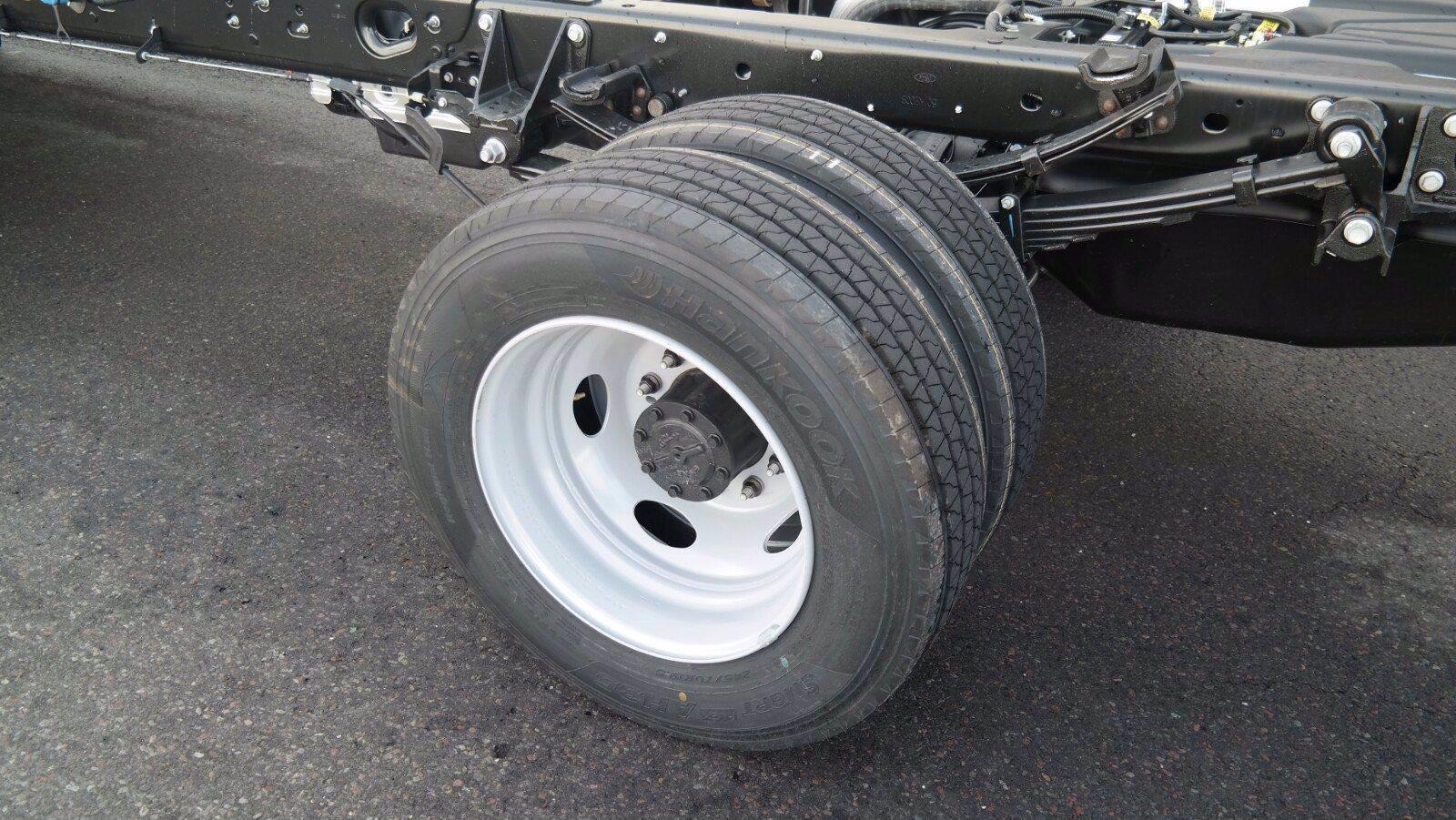 2021 F-600 Regular Cab DRW 4x4,  Switch N Go Drop Box Hooklift Body #FLU10034 - photo 9