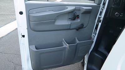 2008 GMC Savana 3500 4x2, Empty Cargo Van #FLU100842 - photo 17