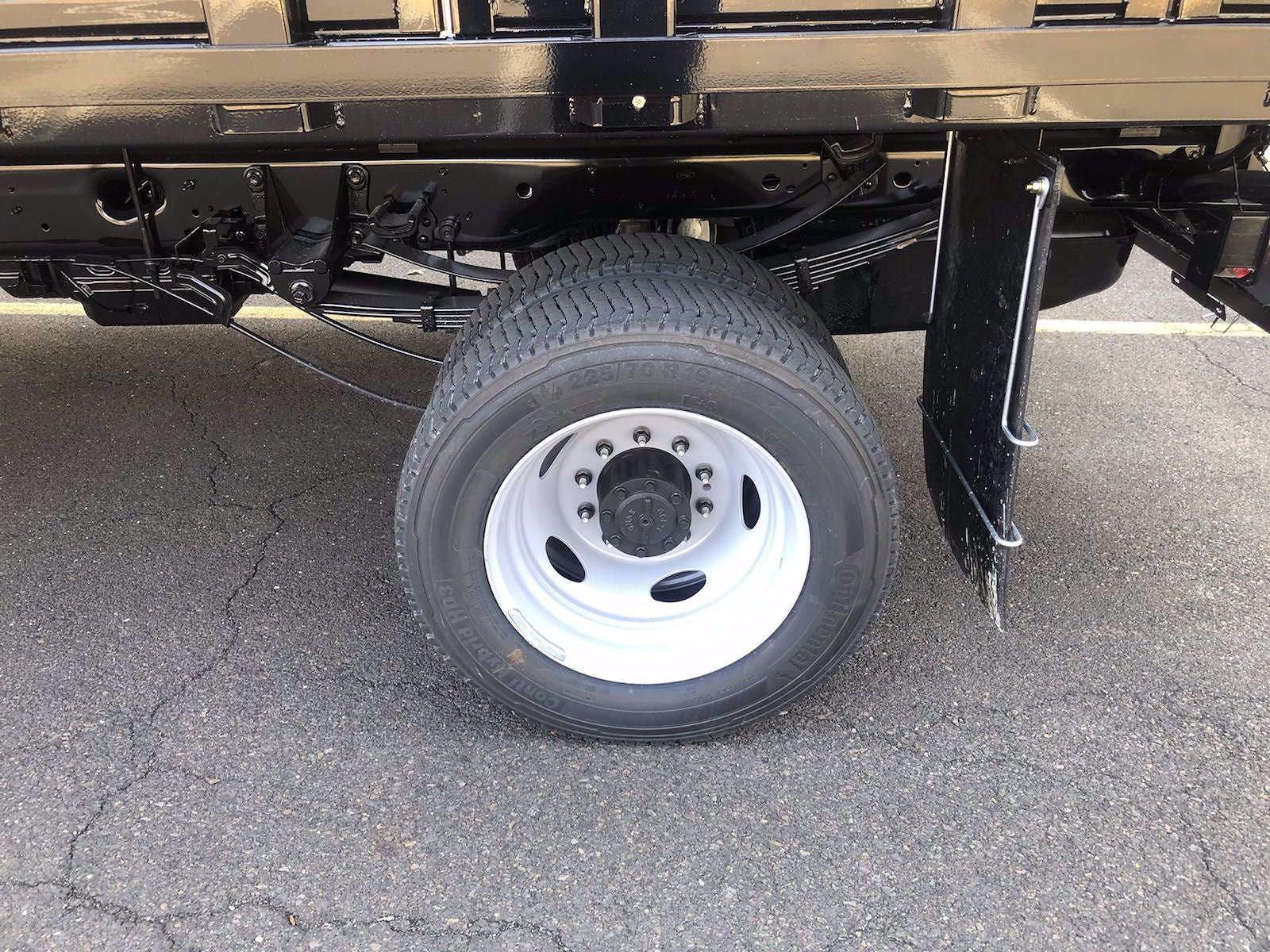 2021 F-450 Regular Cab DRW 4x4,  PJ's Truck Bodies Stake Bed #FLU10174 - photo 19