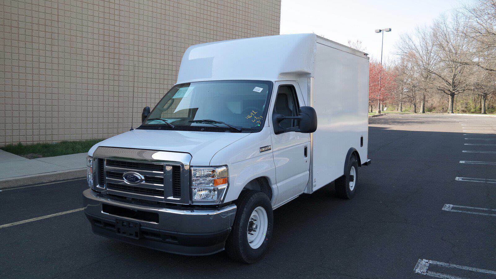 2021 Ford E-350 4x2, Supreme Spartan Cargo Cutaway Van #FLU10176 - photo 4