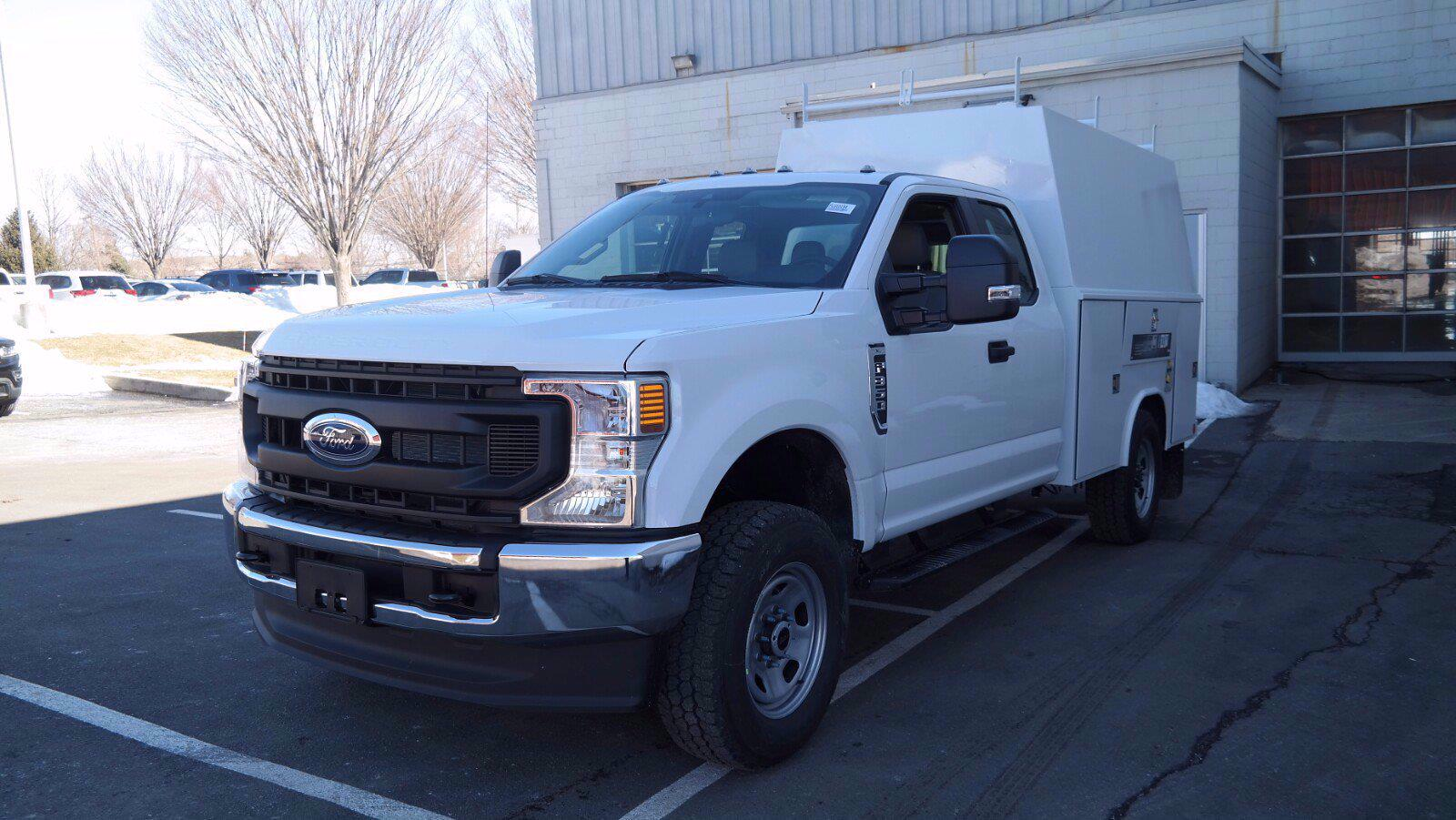 2021 Ford F-350 Super Cab 4x4, Reading Panel Service Body #FLU10194 - photo 3