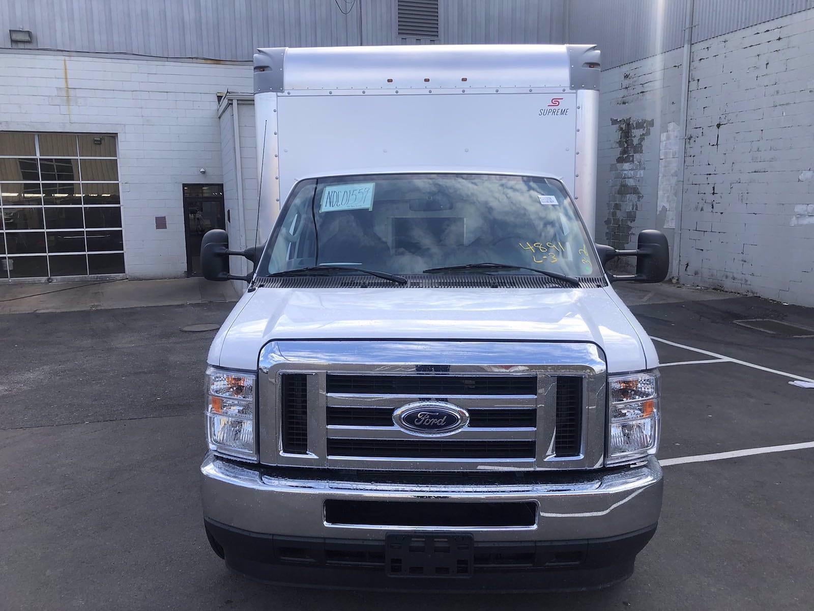 2022 Ford E-450 4x2, Supreme Iner-City Cutaway Van #FLU10209 - photo 3