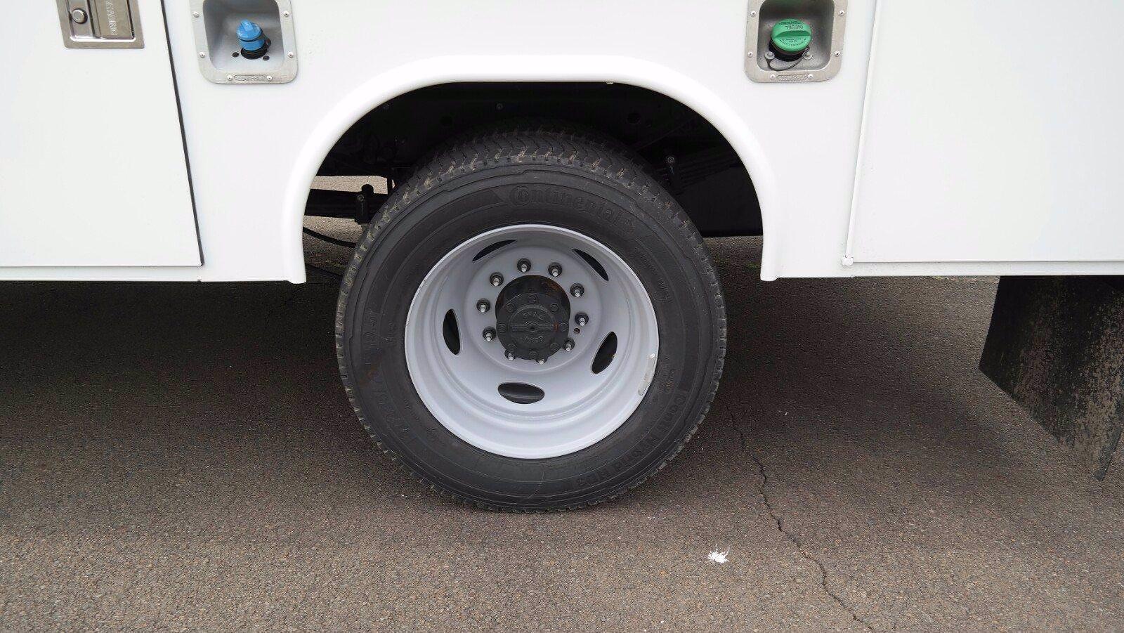 2021 Ford F-550 Crew Cab DRW 4x4, Reading SL Service Body #FLU10281 - photo 22