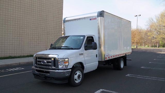 2021 Ford E-350 4x2, Morgan Parcel Aluminum Cutaway Van #FLU10282 - photo 4