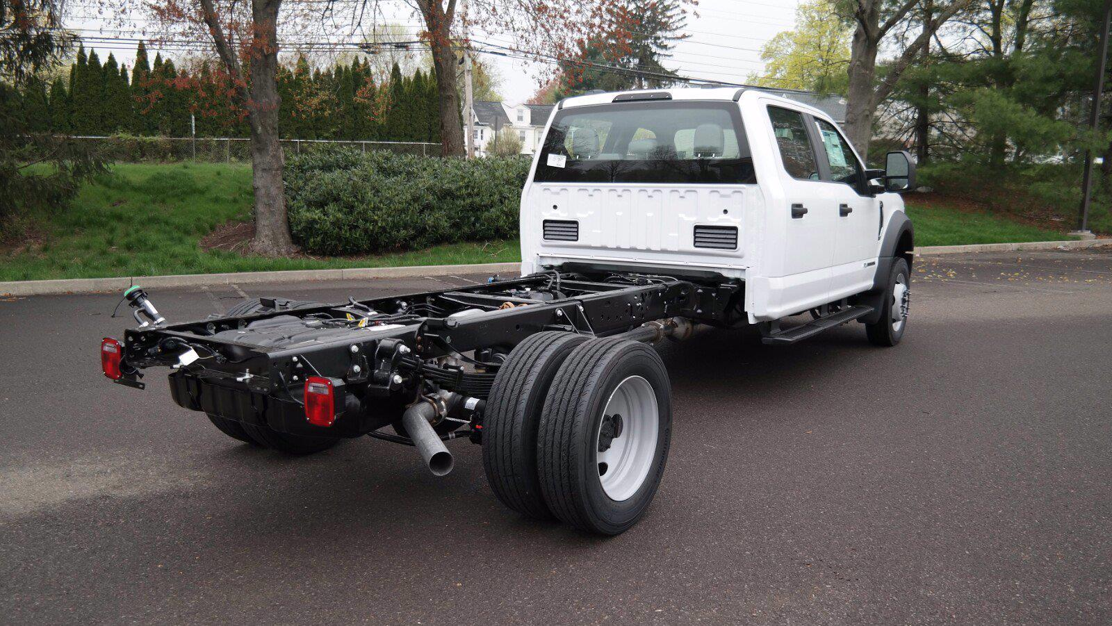 2021 Ford F-550 Crew Cab DRW 4x4, Cab Chassis #FLU10311 - photo 2