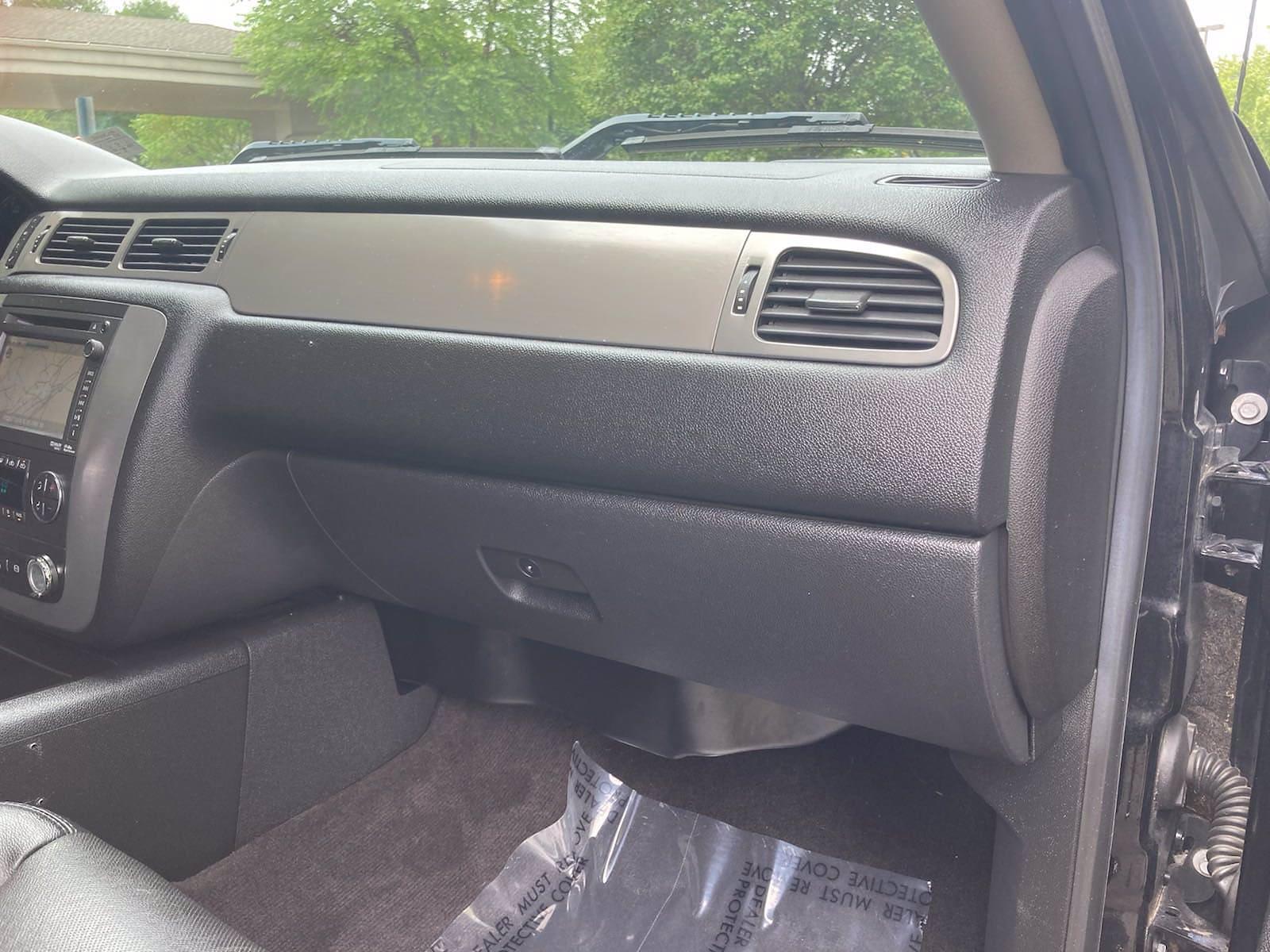 2014 Chevrolet Silverado 3500 Crew Cab 4x4, Pickup #FLU103111 - photo 19