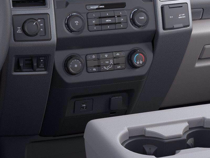 2021 Ford F-250 Regular Cab 4x4, Pickup #FLU10411 - photo 37