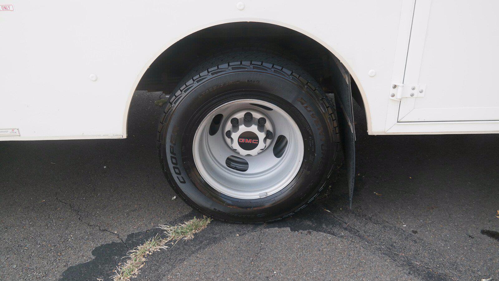 2017 Savana 3500,  Cutaway Van #FLU104361 - photo 6