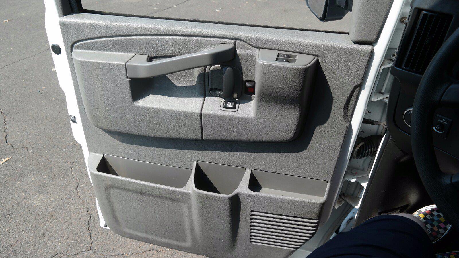 2017 Savana 3500,  Cutaway Van #FLU104361 - photo 8