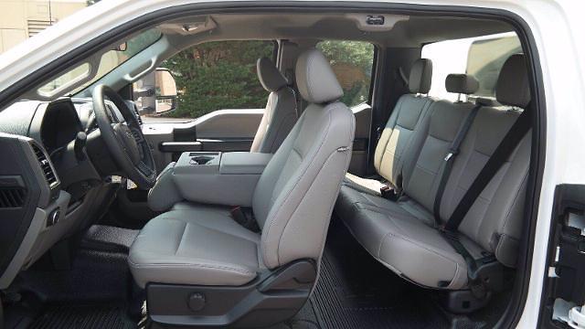 2021 Ford F-350 Super Cab DRW 4x4, Reading Panel Service Body #FLU10469 - photo 4