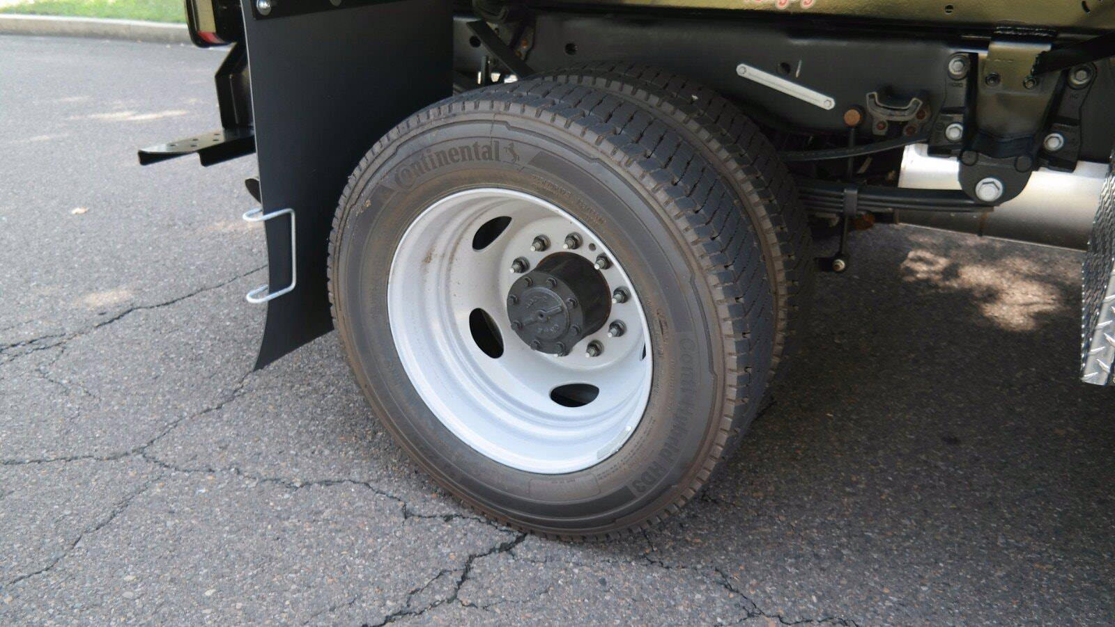 2021 F-450 Super Cab DRW 4x4,  Dejana Truck & Utility Equipment MAXScaper Landscape Dump #FLU10490 - photo 12