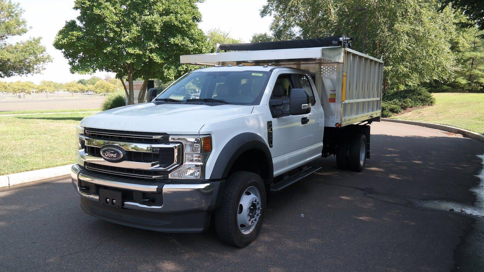 2021 F-450 Super Cab DRW 4x4,  Dejana Truck & Utility Equipment MAXScaper Landscape Dump #FLU10490 - photo 3